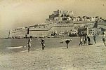 Primeros turistas en la Playa Norte de Peñiscola