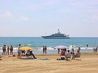 La playa Nord de Peñíscola galardonada con la bandera azul